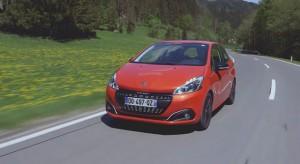 Essais de la Peugeot 208 restylée - Vidéo officielle (2015)