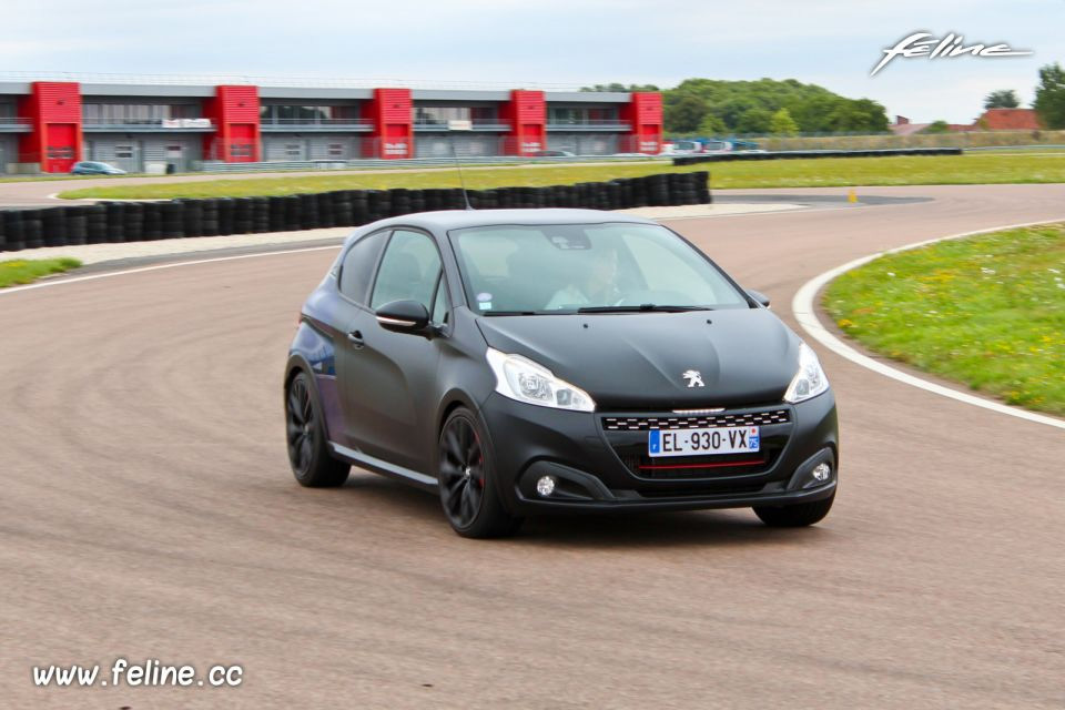 Photo essai circuit Peugeot 208 GTi by Peugeot Sport (2017)