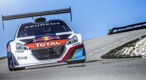 La Peugeot 208 T16 Pikes Peak, voiture de course de l'année 2013 !