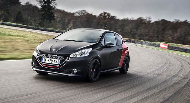 peugeot 208 gti 30th les photos officielles des essais news f line 208. Black Bedroom Furniture Sets. Home Design Ideas