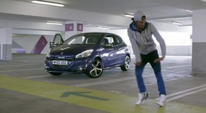 "Peugeot 208 ""Let Your Body Drive"" avec Nonstop !"