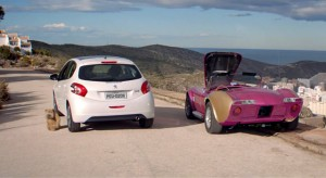 Publicité Peugeot 208 Brésil - Les Fous du Volant (60s) - 2013