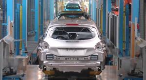 Fabrication de la Peugeot 208 à Poissy