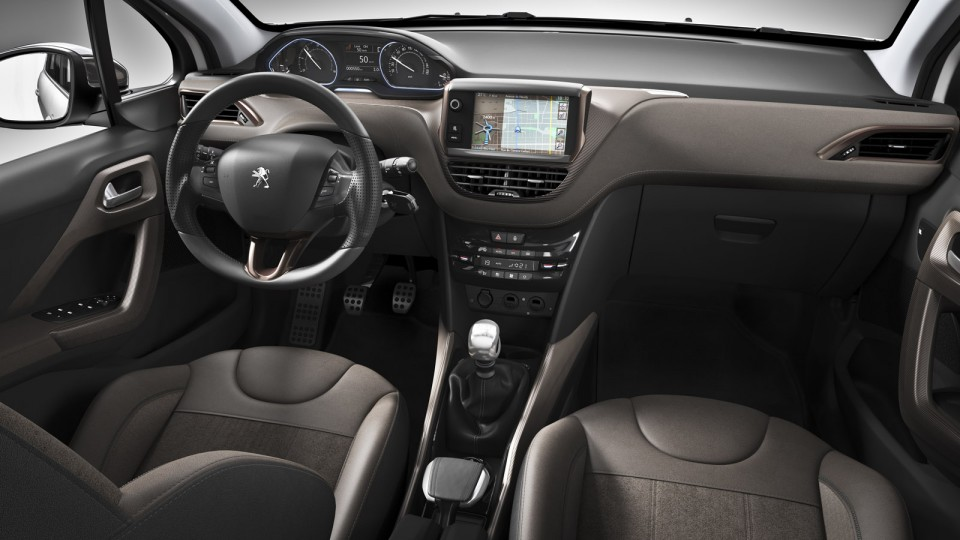 Int rieur peugeot 2008 f line photo officielle 2 053a for Interieur peugeot 2008