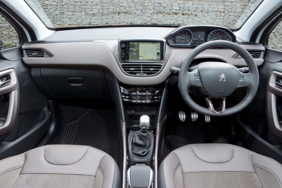 photo int rieur peugeot 2008 f line version uk rhd 2 009 photos peugeot 208 2008. Black Bedroom Furniture Sets. Home Design Ideas