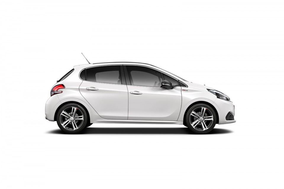 Photo officielle nouvelle Peugeot 208 GT Line restylée ...