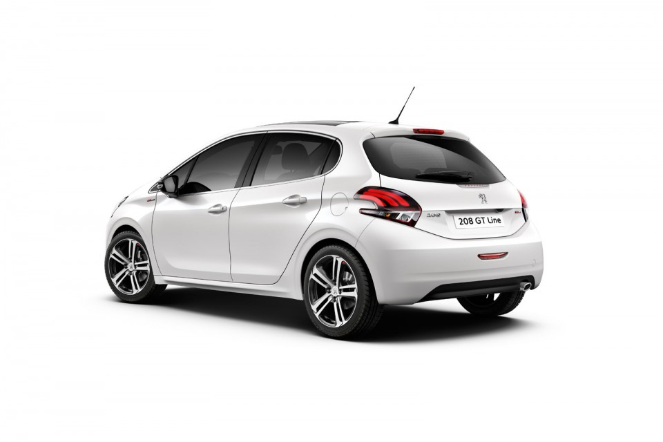photo nouvelle peugeot 208 gt line restyl e 2015. Black Bedroom Furniture Sets. Home Design Ideas