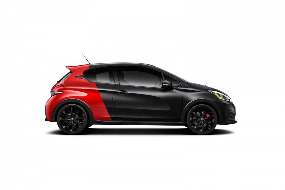 photo officielle nouvelle peugeot 208 gti by peugeot sport. Black Bedroom Furniture Sets. Home Design Ideas