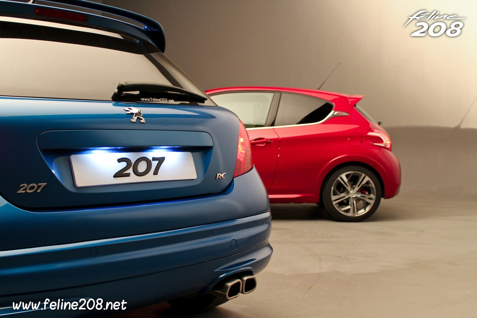 coffre peugeot 207 rc bleu r cife vs peugeot 208 gti rouge rubi 010 photos peugeot 208. Black Bedroom Furniture Sets. Home Design Ideas