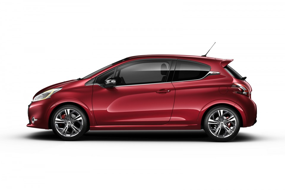profil peugeot 208 gti rouge rubi 02 photos peugeot 208. Black Bedroom Furniture Sets. Home Design Ideas