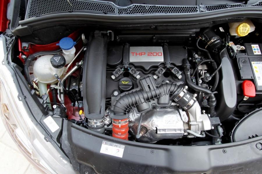 Bloc moteur peugeot 208 gti 1 6 thp 200 rouge rubi 2013 for Verification exterieur 208