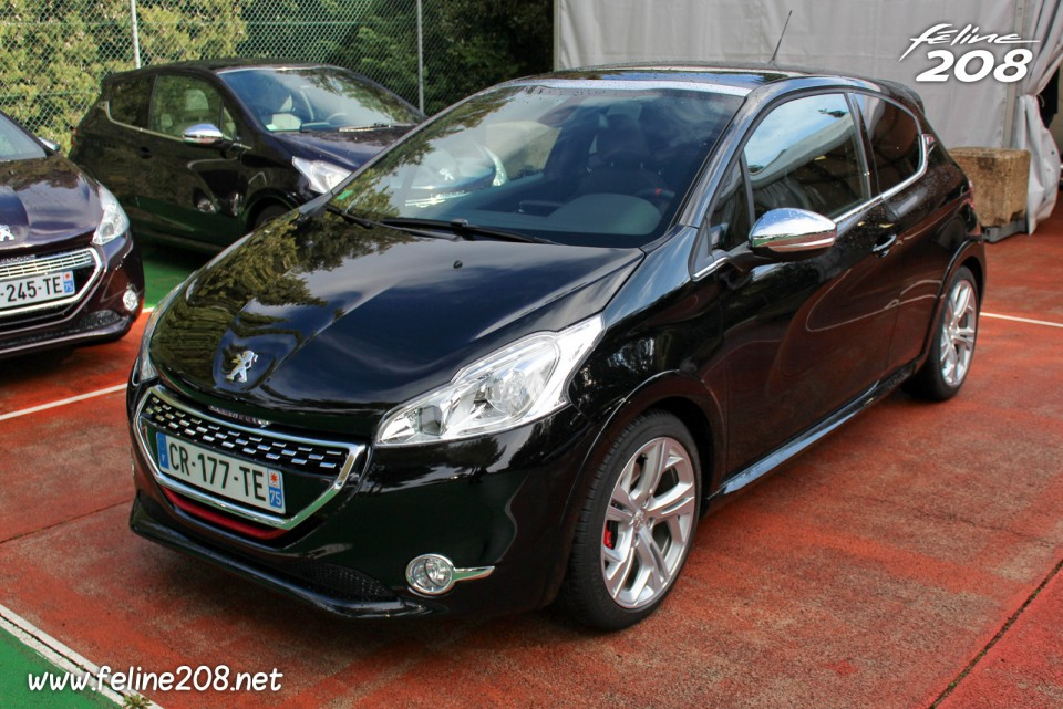 peugeot 208 gti noir perla nera essais peugeot 208 gti mars 2013 1 005 photos peugeot. Black Bedroom Furniture Sets. Home Design Ideas