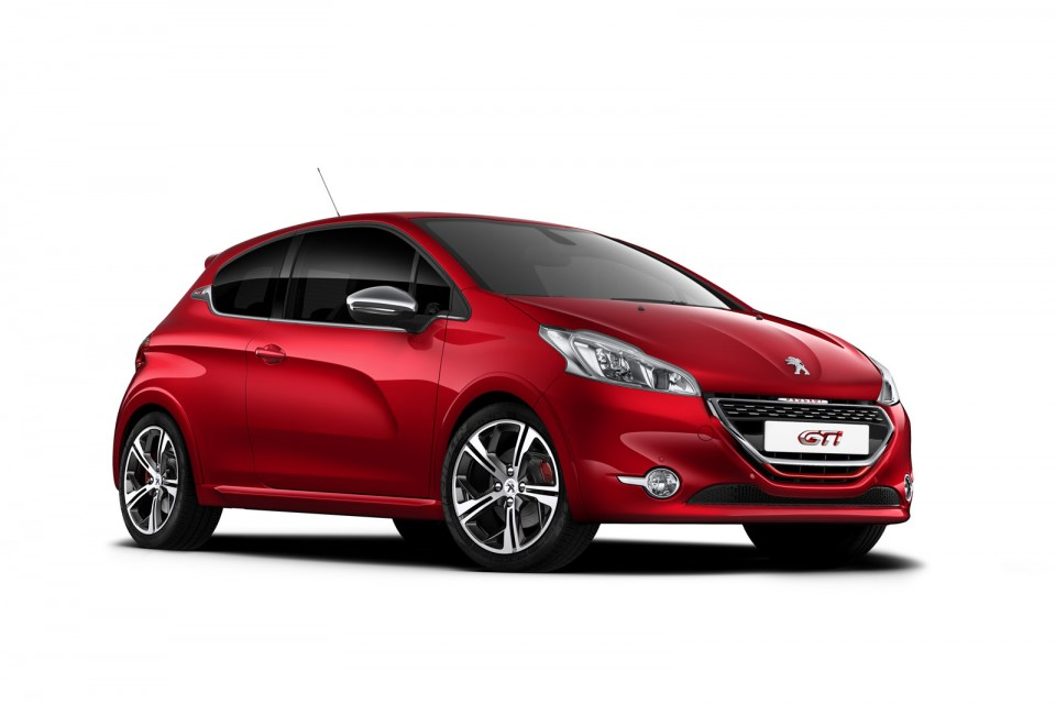 Peugeot 208 GTi Rouge Rubi - Photo officielle - 1-021