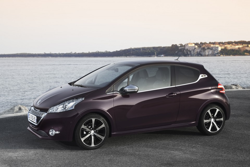 photo peugeot 208 xy purple night 1 6 e hdi 115 c te. Black Bedroom Furniture Sets. Home Design Ideas