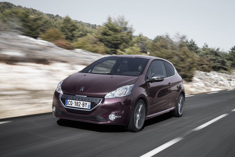 dynamique peugeot 208 xy purple night 1 6 e hdi 115 c te d 39 azur 2 005 photos peugeot. Black Bedroom Furniture Sets. Home Design Ideas
