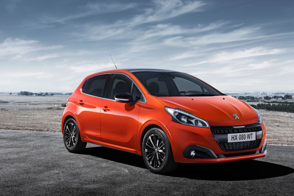 photo officielle peugeot 208 restyl e orange power 2015. Black Bedroom Furniture Sets. Home Design Ideas
