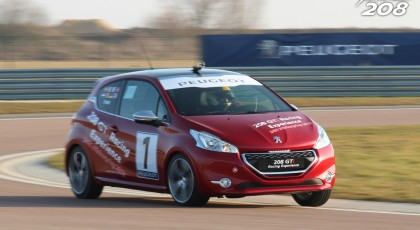 Photos Peugeot 208 GTi Racing Experience