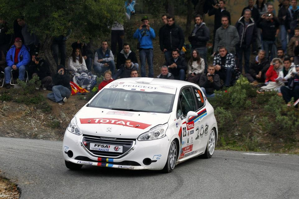 la peugeot 208 r2 au rallye du var 2012 001 photos peugeot 208 2008 f line 208. Black Bedroom Furniture Sets. Home Design Ideas