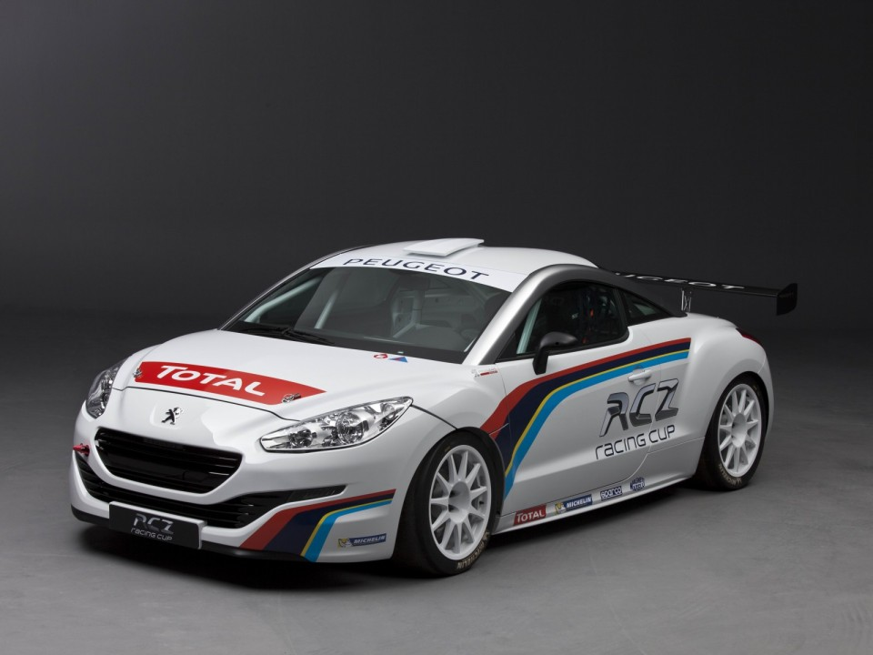 peugeot rcz racing cup par peugeot sport en 2013 001 photos peugeot 208 2008 f line 208. Black Bedroom Furniture Sets. Home Design Ideas